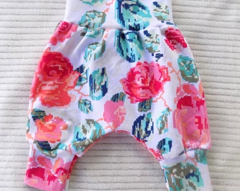 Baby Harem Pants, Toddler Harem Pants, Baby Pants, Baby Leggings, Floral Pants, Kids Clothes, Baby Clothes, Floral Leggings, Girl Pants
