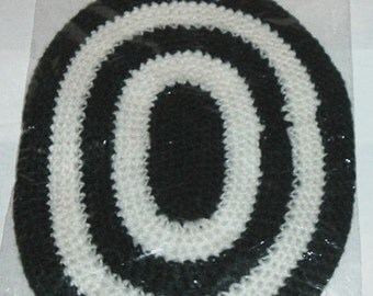 Miniature OVAL RUG 6' X 8'BLACK (Hello Dolly)