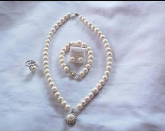 White South Sea Pearl Set