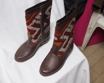Kilim Boots made of Brown Leather - women shoes - Moroccan leather
