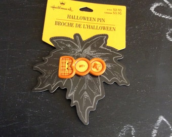 Vintage Halloween hallmark pin, boo pin, Boo, vintage pin, vintage hallmark pin, buttons,