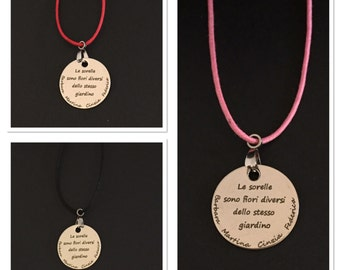 Necklace with pendant with a dedication to the sisters, personalized with names