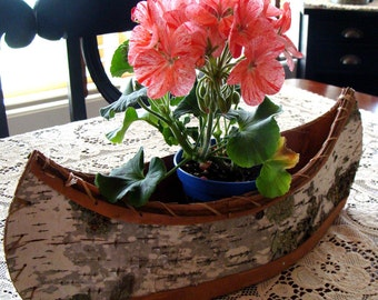 Flat bottom 20 inch birch bark canoe great for a center piece (Stands on its own)