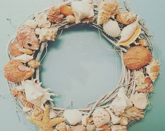 Vintage seashell wreath