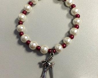 Elegant heel charm bracelet