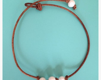 triple knotted pearl choker
