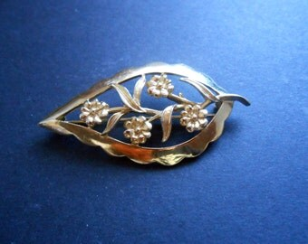 Gold Tone Brooch - Leaf Shaped With Flowers In Centre