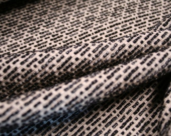 Very resistant fabric with an actractive weaving
