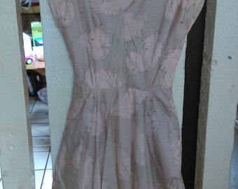 1950s Pink Party Dress With Pockets