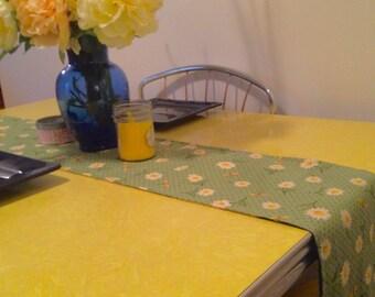 Fresh flowered table runner