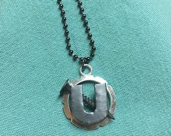 Screw U necklace (Silver)
