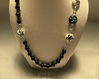 Black and White side focal necklace and earring set
