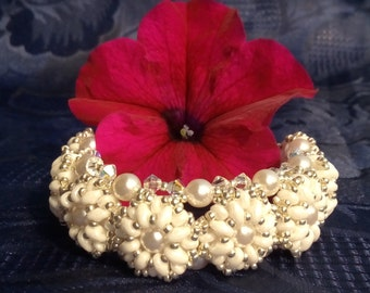 Bubble Bracelet (Daisy pattern Fusco) Pearl