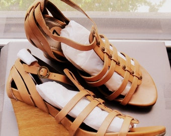 Kenneth Cole Leather Gladiator Wooden-Look Wedge Sandals - Sz 7B