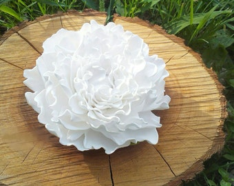peony scrunchy, white scrunchy, hear accessory, bridal peony comb, bride white scrunchy, bridesmaids peony, white wedding, gift for girl