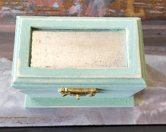 The Tin Roof Jewelry Box