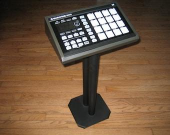 Custom Stand for Maschine Mikro MK2 (Maschine Mikro not included)