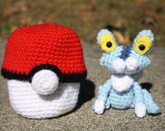 Crochet Pokémon Froakie in Pokéball Amigurumi