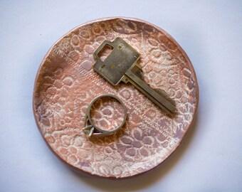 small clay ring dish; circle ring dish; lace texture pattern;
