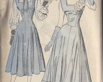 "1940s Vintage Sewing Pattern B32"" Evening & Day Dress and  Blouse  (R738)  Advance  4725"