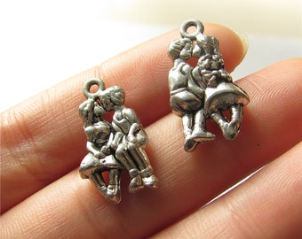 Kissing Lovers Charm Pendant Antique Silver Drop Handmade Jewelry Finding 13x23mm 5 pcs