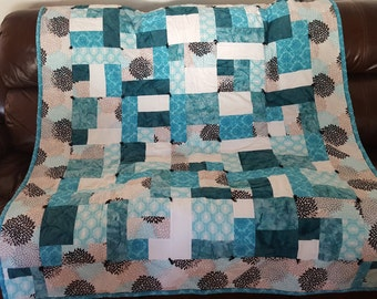 Teals Throw Quilt
