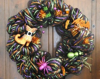 Halloween Wreath with Witch Hats, Shoe, Bats and Spiders-Halloween Deco Mesh Wreath