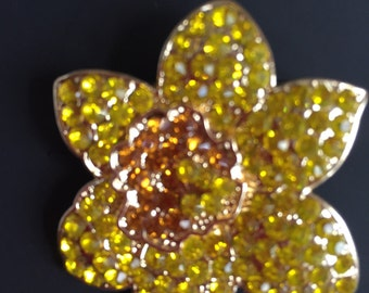 Stunning Yellow Daffodil Crystal Brooch