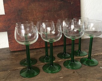 8 Retro Green Stemmed Glasses