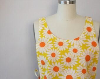Sunny daisies apron vintage
