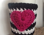 Black and white striped heart coffee Cup Cozy, Sleeve, Crochet Tea Latte Cozie, kate spade inspired
