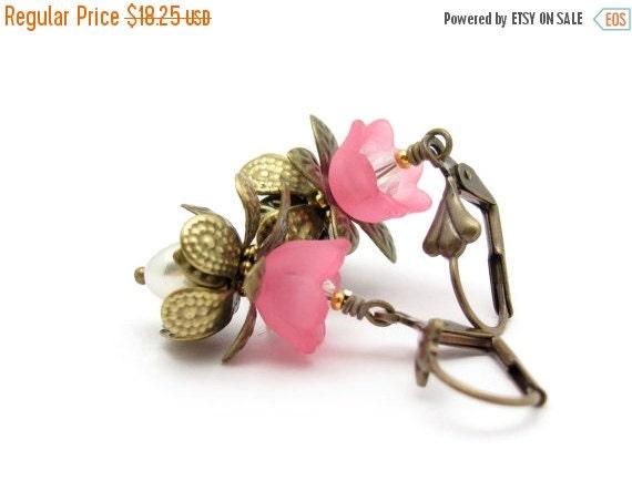 Flower Earrings, Pink Flower, Pink Earrings, Pink Bridesmaid, Vintage Swarovski Pearls, Bridesmaid Earrings, Wedding Jewelry, Hawaii Beads