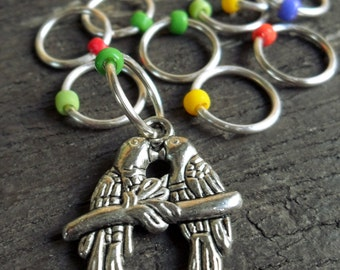 Medium Snag Free Knitting Stitch Markers Silver Tone Rainbow Lorikeet Birds Charm Seed Beads Fits Needles Up To 6.5mm