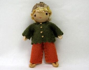 Bendy Doll, Acorn Hat Felt Doll, Miniature Bendable Boy Figure- Waldorf Felt Doll-Woodland Boy- Small Doll- Felt Bendable Doll- Acorn Hat