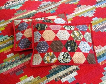 Full Size Quilt - 87 x 90 - Courthouse Steps Quilt - Scrap Quilt - Vintage Look - Two Standard Pillow Shams - Reproduction Feedsack Prints