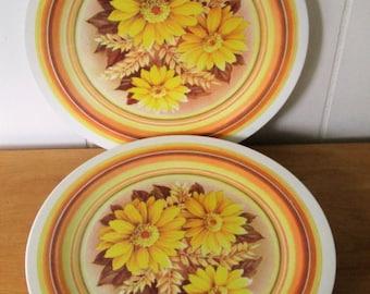 7 vintage daisy melmac dinner plates
