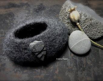 Grey Felt Pebble Pot with Slate Decoration Norwegian Wool free postage