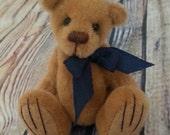Oscar a mini artist bear