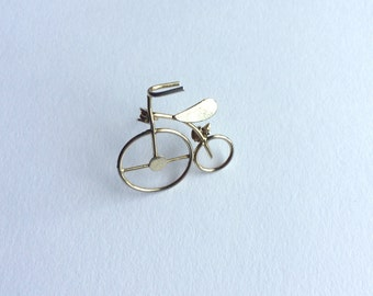 Vintage Penny Farthing metal badge pin