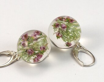 Moss and Heather Round Earrings, Forest Jewelry with Moss and Heather Embedded in Clear Resin