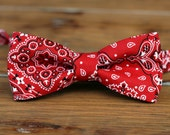 Boys Red Bandana Bow Tie - red bandanna print cotton bowtie for boys, infant bow tie, toddler bow tie, rustic ring bearer tie, cowboy tie