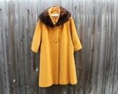 VINTAGE Tisse A Paris brand ladies coat