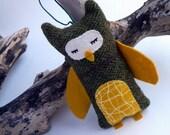 Sleepy Owl Ornament, Wool Owl Ornament with wings, Owl with wings, Green owl ornament, Green and Yellow Christmas owl ornament