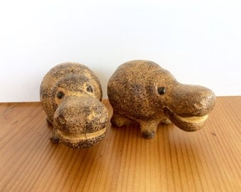Hippo Salt & Pepper Shakers. Vintage Animal Shakers. Giftcraft Japan Ceramic Shakers. Hippopotamus Kitchen Collectibles.