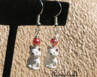 Adorable White Cat Earrings 16010