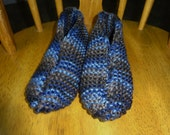 Knitted bulky slippers, Ladies size 9/10, Blue and Taupe variegated colors