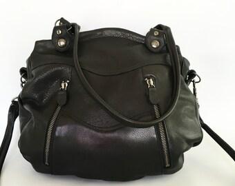 Larch bag in black - gun metal hardware