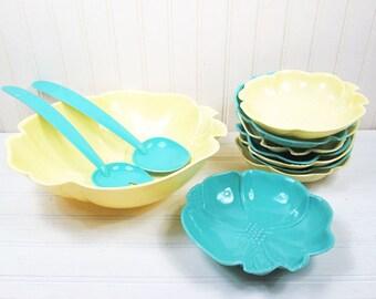 Vintage Plastic Salad Bowl Serving Set Hofmann Pastel Flower Yellow Aqua Blue Retro