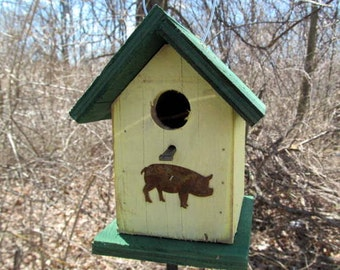 Primitive Birdhouse Chickadee Wren Songbird Yellow Green Rusty Pig