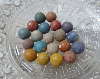 Vintage  French antique 1920/1930  set  of 20 clay marbles to play